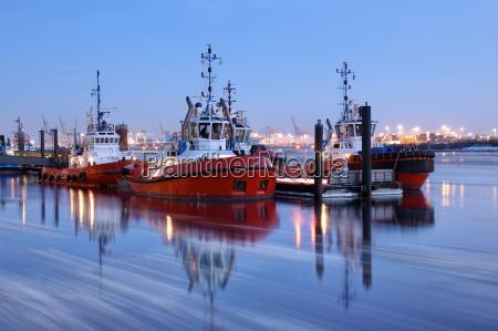 porto de hamburgo esperando no