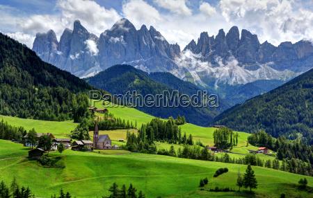 montanhas dolomitos alpes tirol do sul