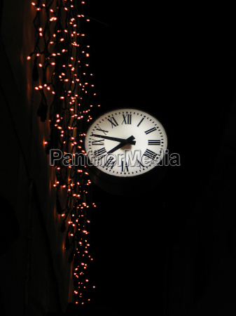 worms eye night nighttime lighted clock