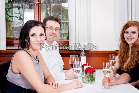 mulher restaurante pessoas povo homem diversao