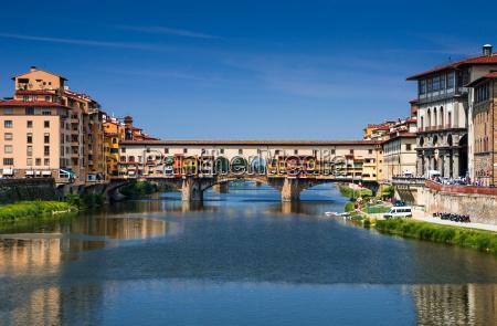 ponte vecchio sobre rio arno florenca