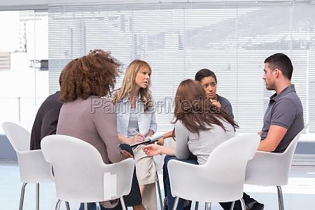 pacientes relatando seus problemas ao terapeuta