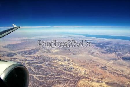 voo sobre o deserto egipcio