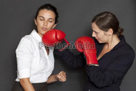 conflito acordo negocio trabalho profissao empresaria