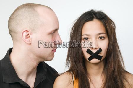homem contra a mulher