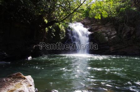 ceu cachoeira selva brasil floresta floresta
