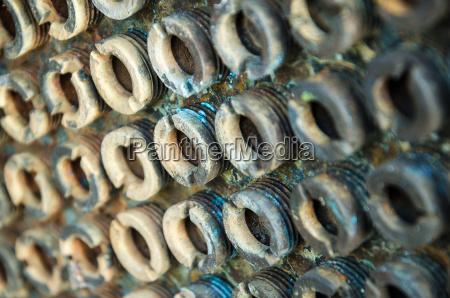 parafuso aco metal enferrujado pinos castanha