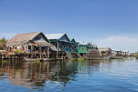 vila de pescadores flutuante