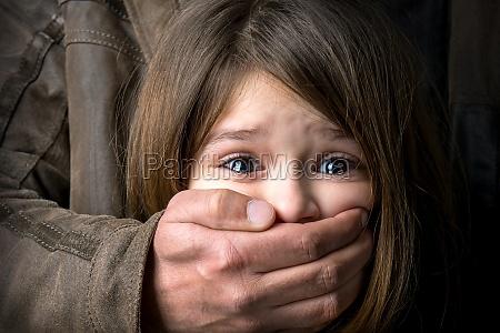 o abuso de criancas