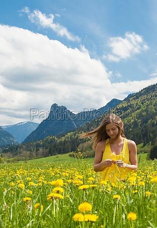 mulher flor flores planta primavera maio