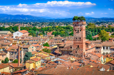 vista panoramica de lucca e torre