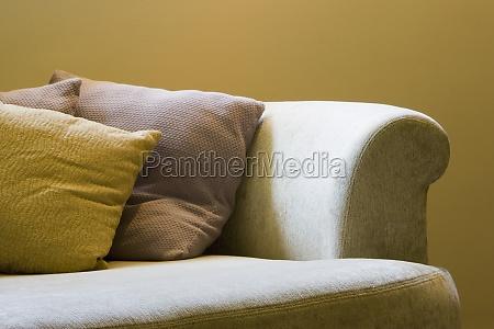 detalhe de um sofa cama com