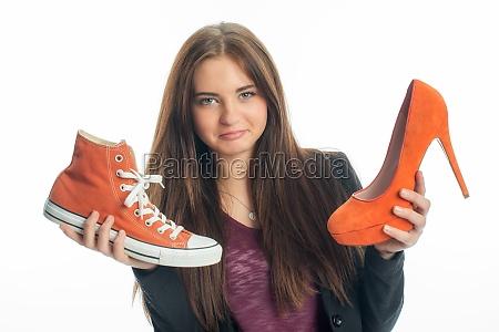 sapatilhas ou saltos altos