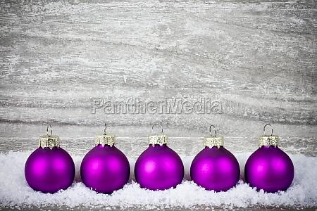 bolas de arvore de natal violeta