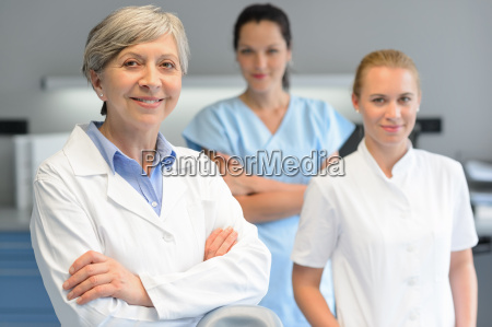 medico equipe mulher cirurgia
