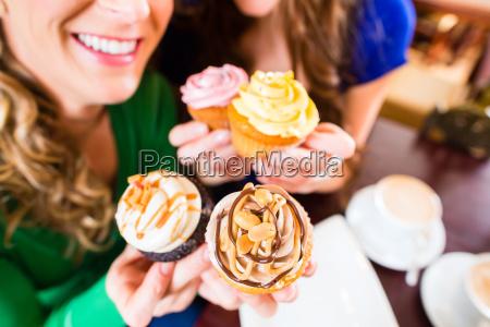cafe bolo padeiro confeiteiro sobremesa namoradas