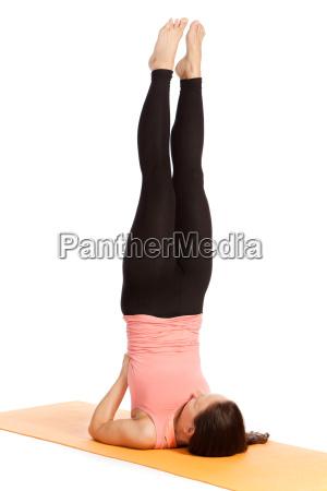 exercicio da ioga na esteira salamba