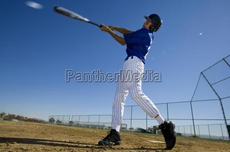 massa do basebol no uniforme azul