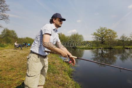 ao ar livre pesca pescador agua