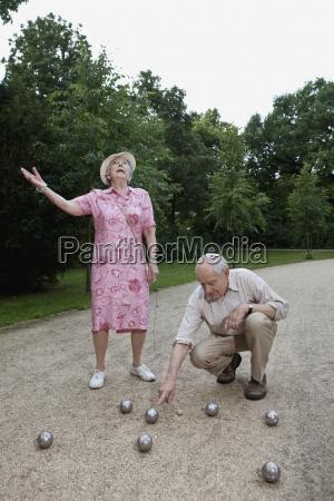 mulher pessoas povo homem lazer jogo