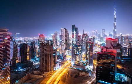 paisagem urbana bela noite