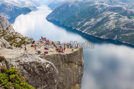 preikestolen desktop rock em lysefjorden noruega