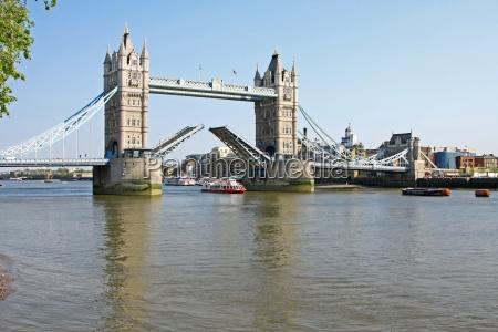 ponte da torre em londres aberta