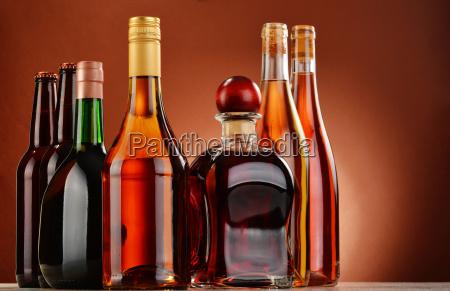 frascos de bebidas alcoolicas assorted