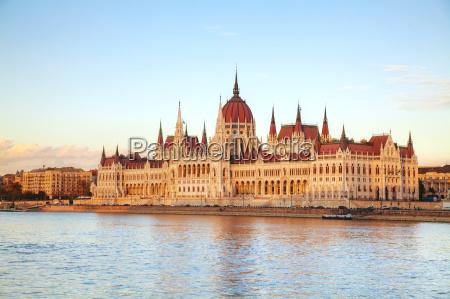 edificio do parlamento em budapest hungria