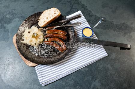 salsichas da oxidacao com o chucrute