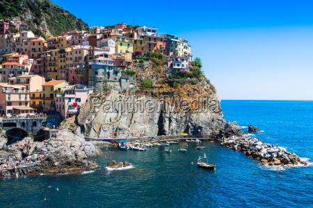 cinque terre italia manarola colorido