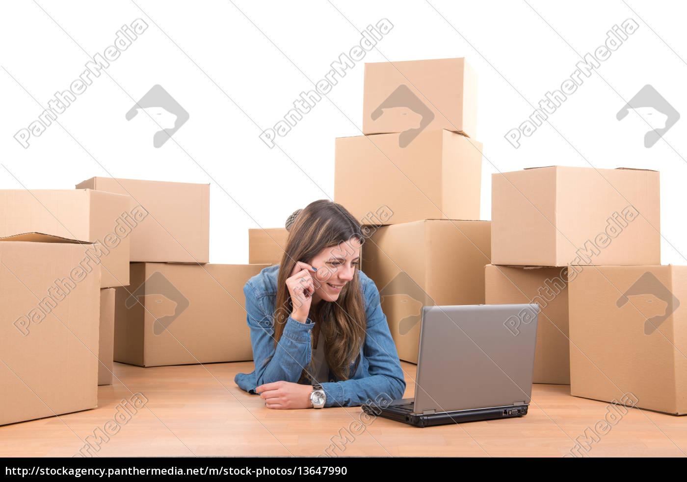 unpacking - 13647990