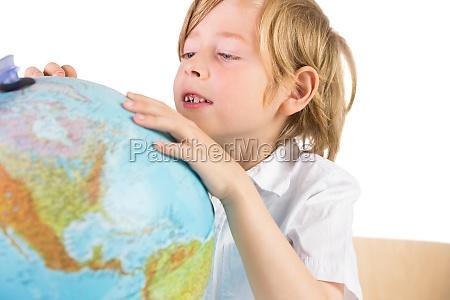 estudante que aprende a geografia com