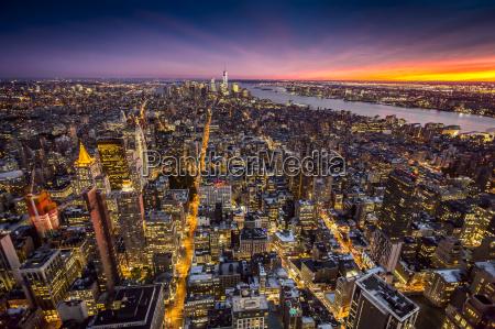 enorme cidade noite novo linha do