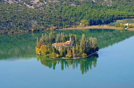 igreja mosteiro abadia monastico rio agua