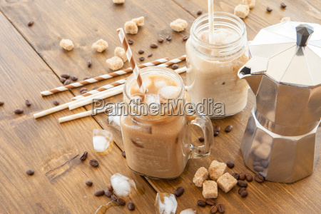 cafe gelado no jarro do vintage