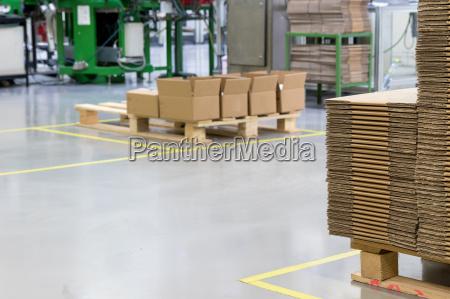 industria interior montagem metal producao fabrica