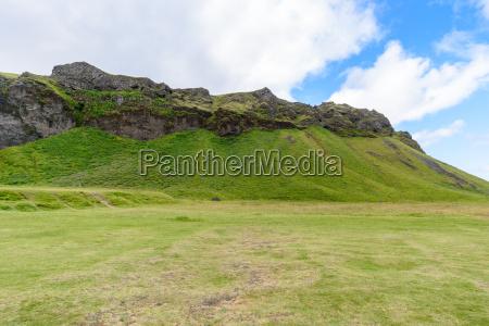 paisagem da montanha em seljalandsfoss islandia