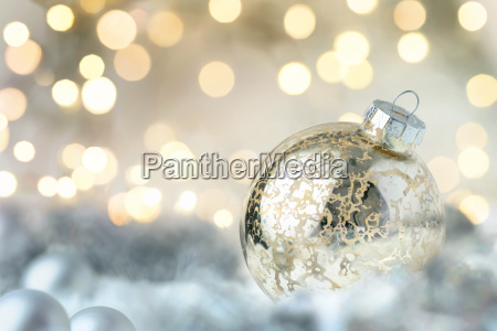 bauble natal brilhante e luzes brilhantes