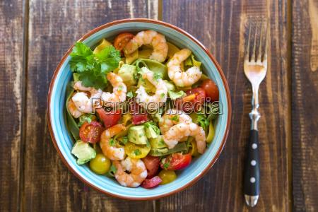 macarronada salada abacate tomate camaroes tigela