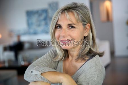 retrato, da, mulher, madura, atrativa, e - 17807092