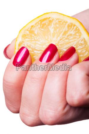 mao cosmeticos vitaminas limao laranja dedo