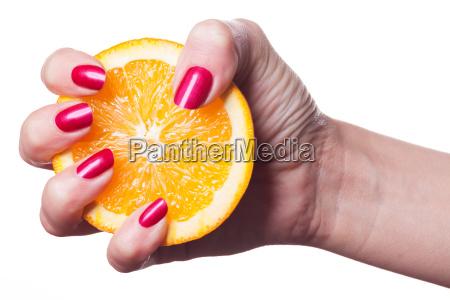 mao isolada com as unhas e