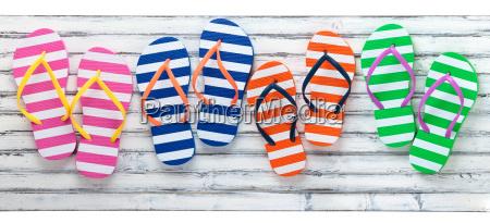 flip flops coloridos
