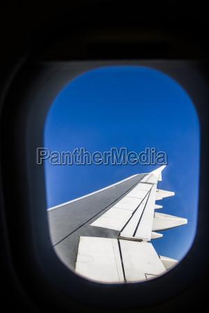passeio viajar voo trafego janela asa