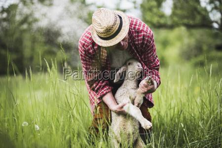 pessoas povo homem animal mamifero agricultura