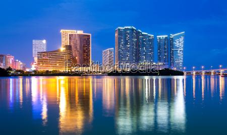 azul torre cidade asia noite luzes