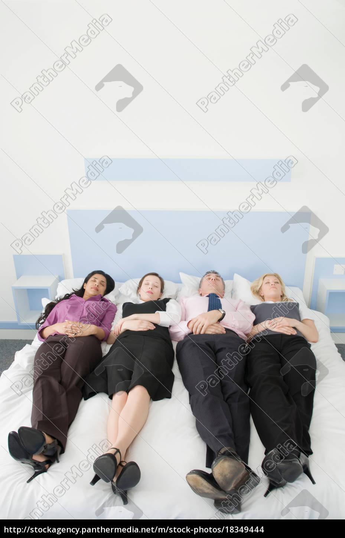 quatro, executivos, que, encontram-se, em, uma - 18349444