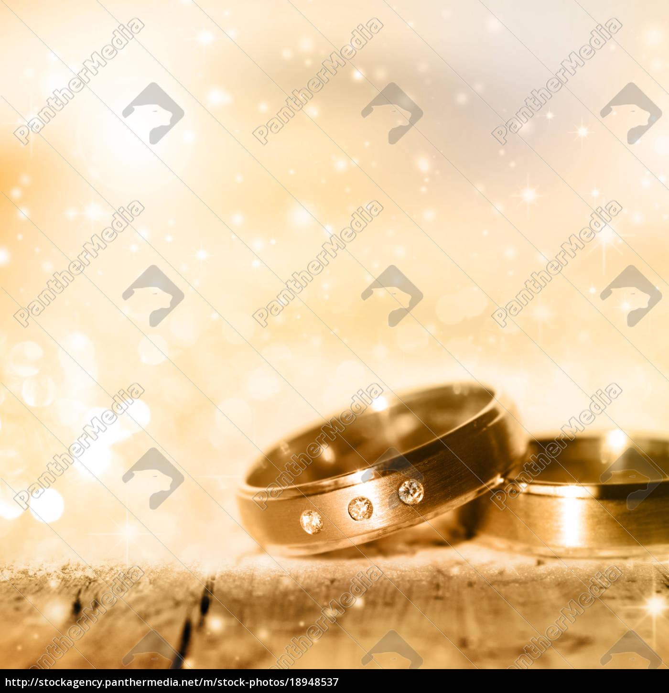 anéis, de, casamento, dourados - 18948537