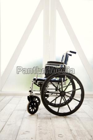 cadeira de rodas casa construcao saude